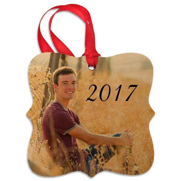 Create a wooden photo ornament for any occasion and decorate for the holidays