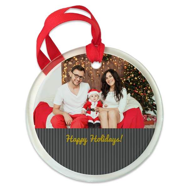 Add an elegant touch to your holiday décor this year with our personalized glass ornaments.
