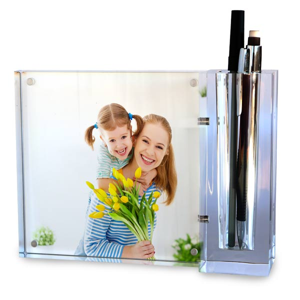 Use one or more photos to personalize your desk set and pencil holder