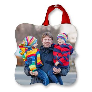 Fancy square photo ornaments are a great way to highlight your warmest memoires